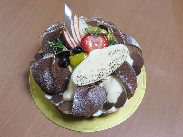 長女のバースデーケーキをメゾン ラブレで購入する!