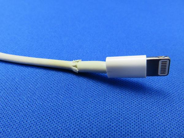 iPad Air 2 純正Lightningケーブル 断線
