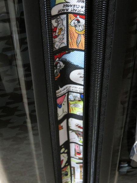 バックスバニーのキャリーバッグ