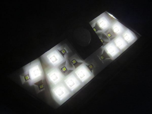 Patech 24 LED ソーラーライト DIMライトセンサーモード