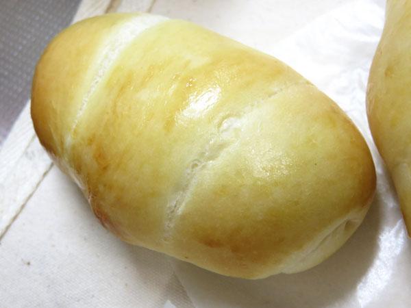 奥さん手作りロールパン&ウインナーパン