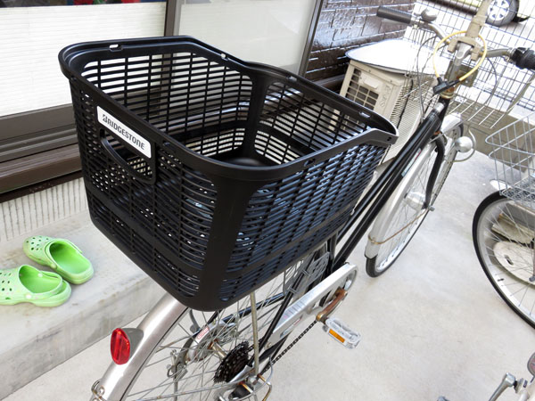 奥さんの自転車にブリヂストンのリヤバスケットを取り付ける!