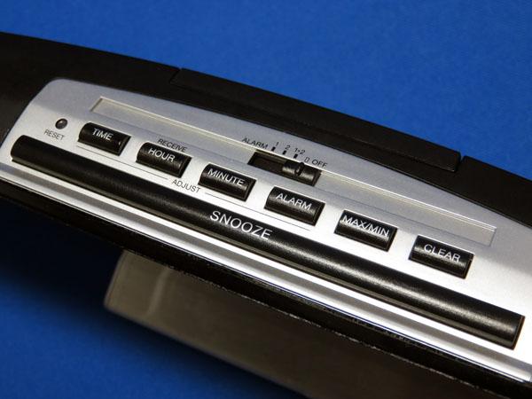 イデアレーベルの電波LED温湿時計LCR031-BLを手に入れる!