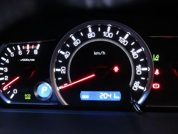 愛車トヨタノア80系のスタッドレスタイヤを夏タイヤに交換する!