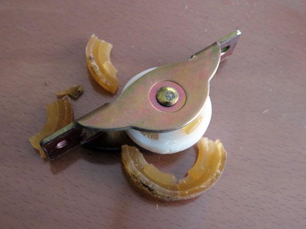 【DIY】ふすまの戸車を交換してガタつきを解消する!