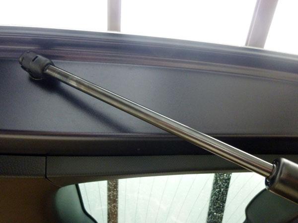 愛車トヨタノア80系のリアハッチバックのアブソーバー不具合対策