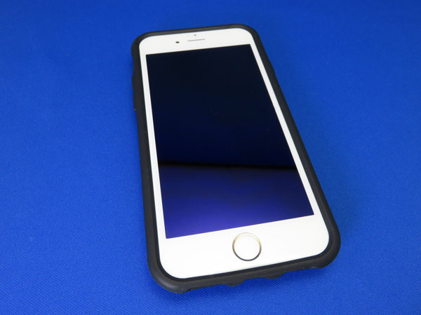 次女のiPhone 6s用ケースにIIIIfi+(イーフィット)購入
